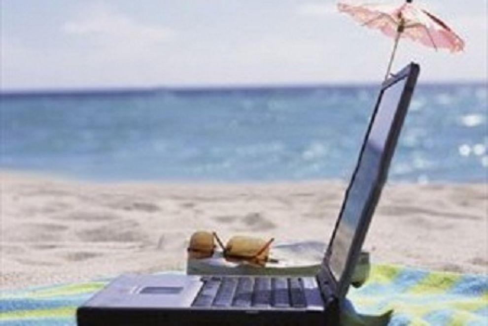 Spiaggiafacile.it per prenotare l'ombrellone con un clic.