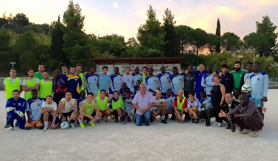 Torricella S.: debutta squadra calcio dei migranti (Video)