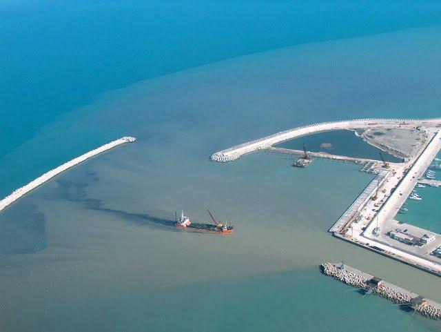Porto Pescara: verso l'apertura della diga foranea