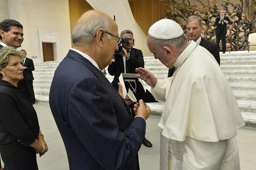 A Papa Francesco Croce orafo di Roccaraso