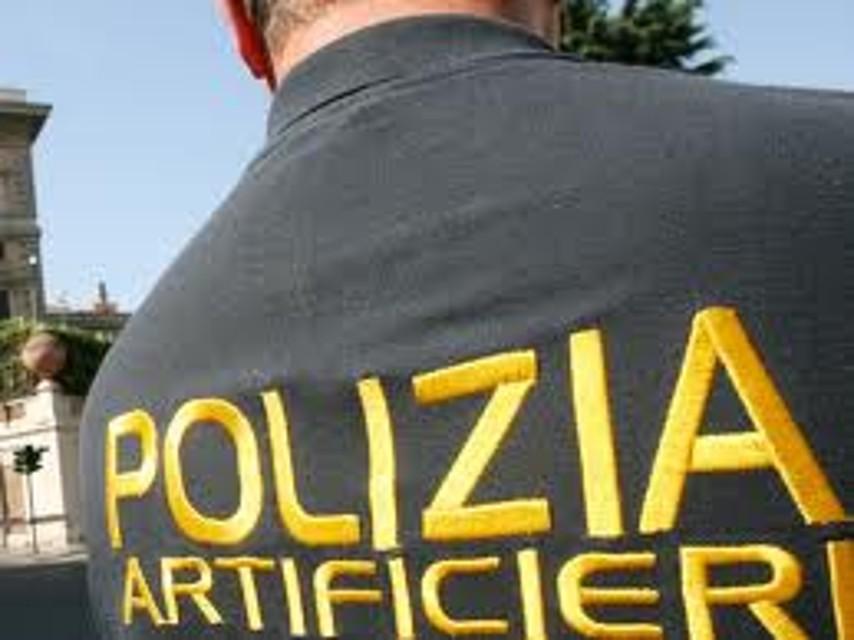 Terrorismo: Pescara, auto sospetta, arrivano artificieri