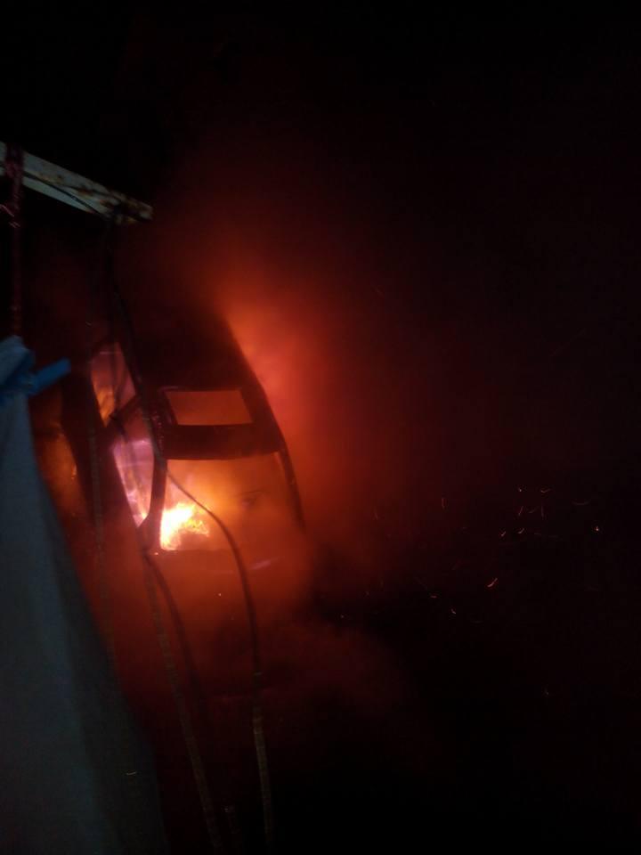 """Chieti, auto incendiata allo Scalo: """"Sono stati gli stranieri"""""""