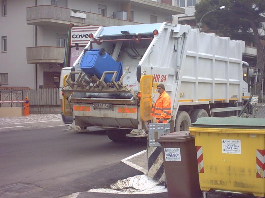 Raccolta rifiuti a Chieti: Si volta pagina