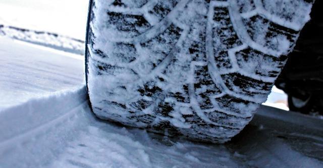 Maltempo: controlli per pneumatici invernali e catene