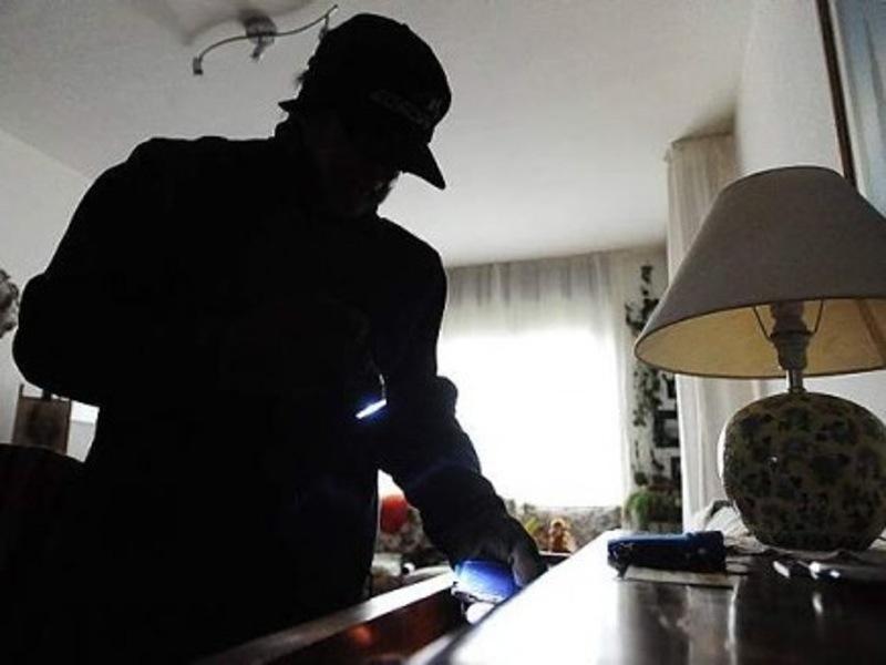 L'Aquila: blitz in case Ater, ladri sorpresi e arrestati
