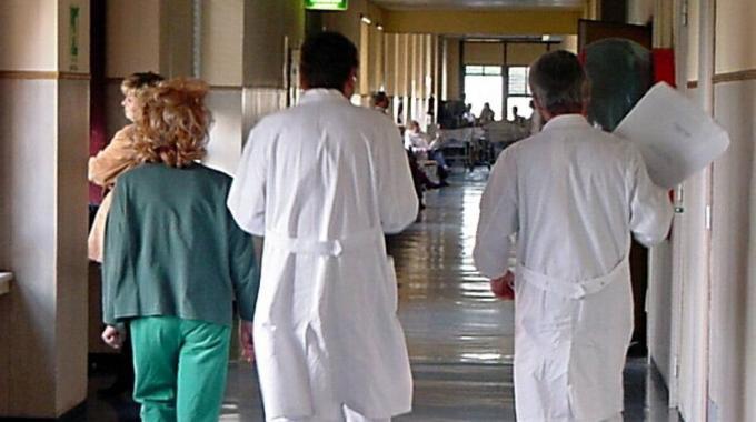 Sanità: nuovi ruoli per medici ed infermieri