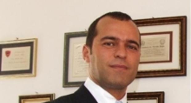 Pescara: evaso dai domiciliari, incontra capo della Mobile