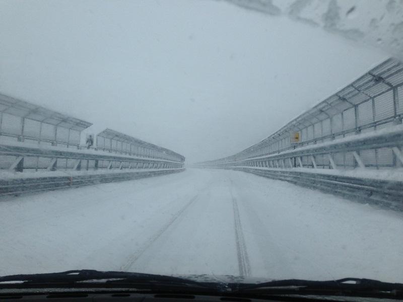 Maltempo: A24, la neve blocca i tir a Basciano