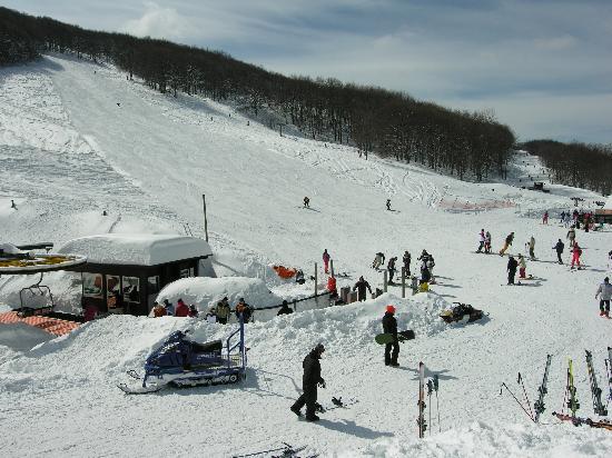 Il maltempo porta la neve in montagna