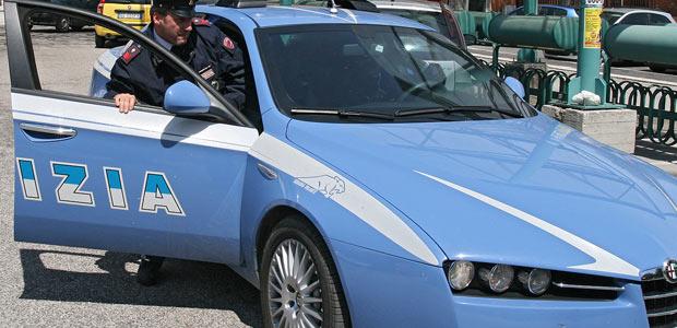 Giulianova, i cittadini aiutano la PS ad arrestare il ladro d'auto