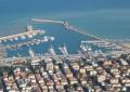 Maltempo Giulianova: cade nelle acque del porto e muore