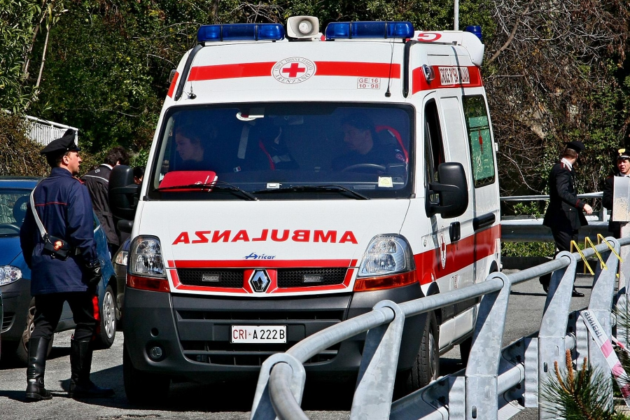 Incidente a Cepagatti, ferito un 21enne di Penne in scontro tra furgone e Tir.