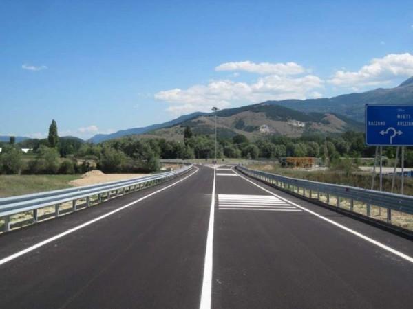 L'Aquila: un viadotto da Porta Napoli a Pile