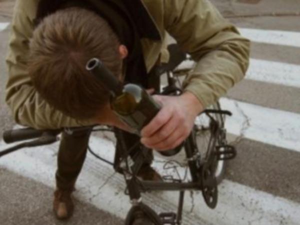 L'Aquila, ubriaco in bici: denunciato per guida in stato d'ebbrezza