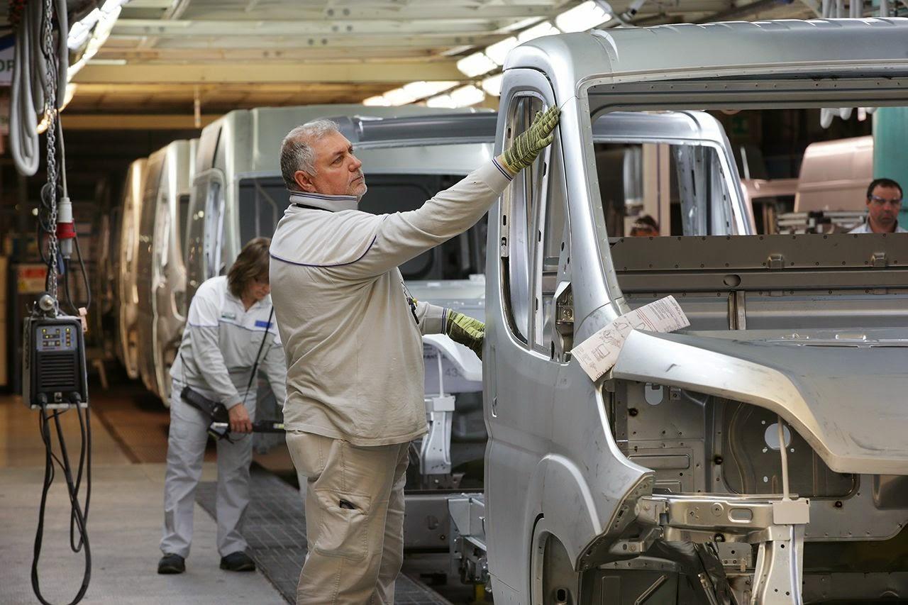 Sevel: produzione record 6000 operai in ferie