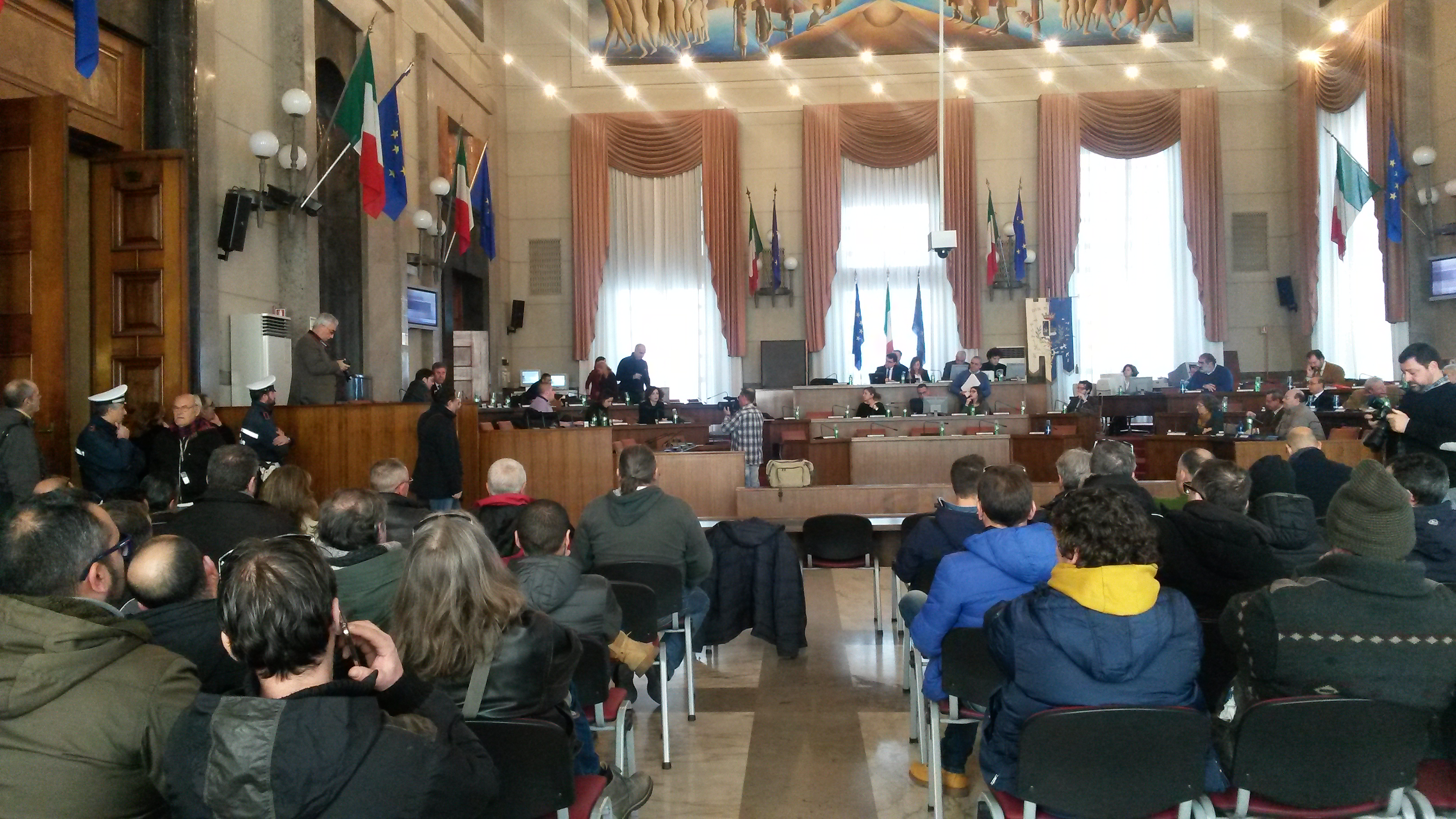 Pescara: Attiva, lavoratori interinali in Consiglio Comunale
