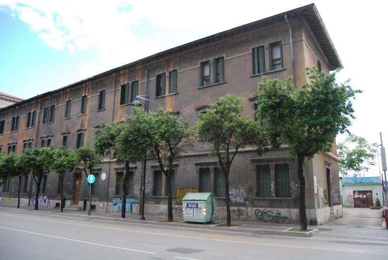 Pescara: L'Ex Ferrhotel cade a pezzi
