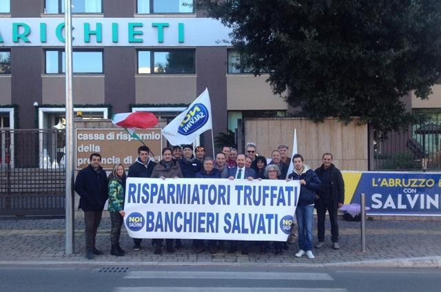 """Sit-in """"Noi con Salvini"""" davanti CariChieti"""