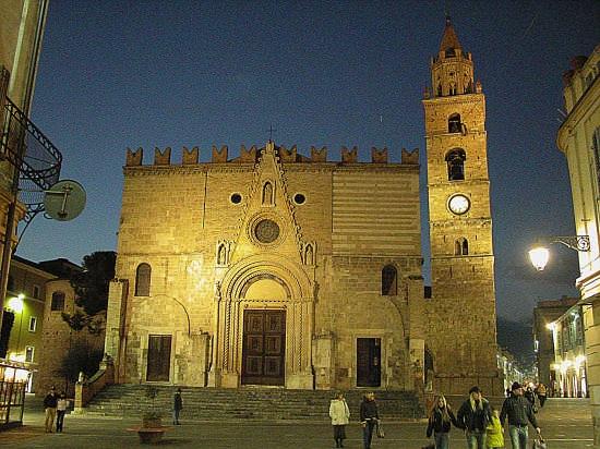 Teramo, in Duomo messa via webcam