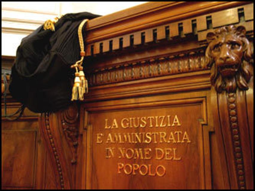 Tagliacozzo: mezzo chilo di hashish nell'armadio, condannato