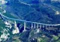 Tenta suicidio dal viadotto A14, salvato dalla Polstrada