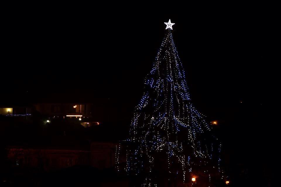 A Pianella l'albero di Natale più grande d'Abruzzo