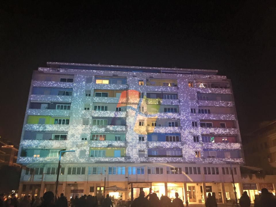 Pescara: video mapping, piazza Salotto diventa caleidoscopio