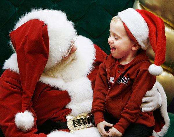 Chieti Scalo: zampognari e Babbo Natale in città
