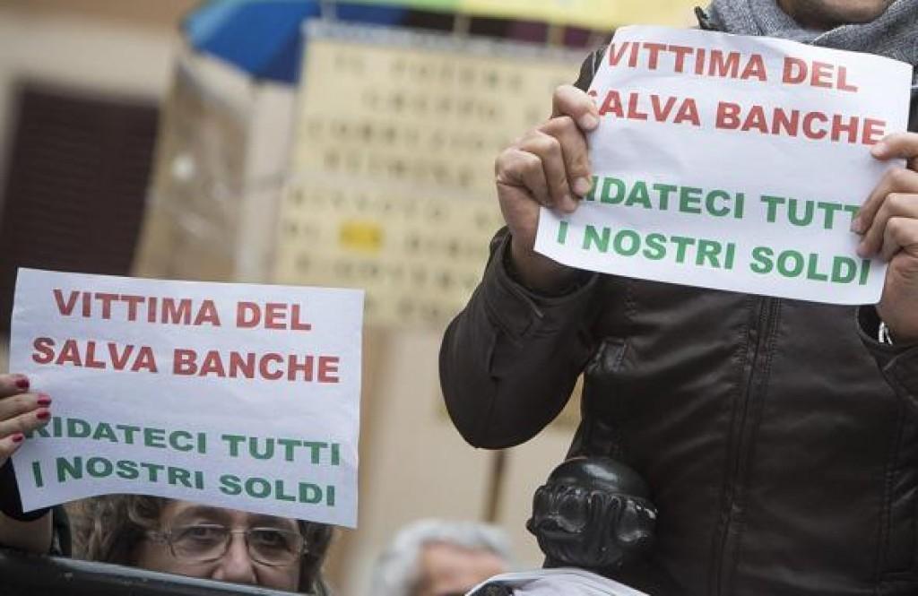 Firenze, anche dall'Abruzzo pullman 'contro le banche'