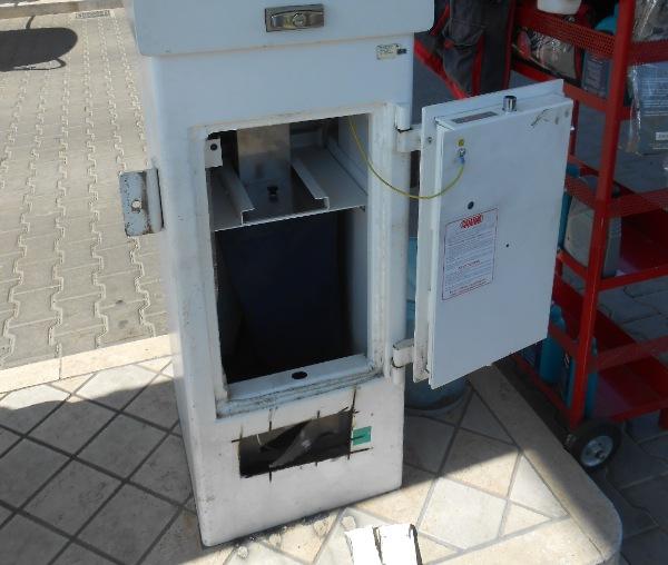 """Sulmona, furti al bancomat con la """"pesca dei soldi"""""""