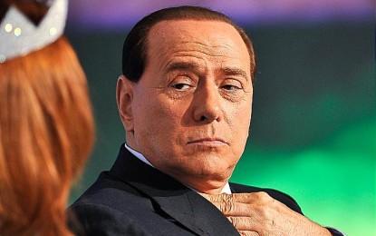 Manifestazione contro Berlusconi a L'Aquila: assolti