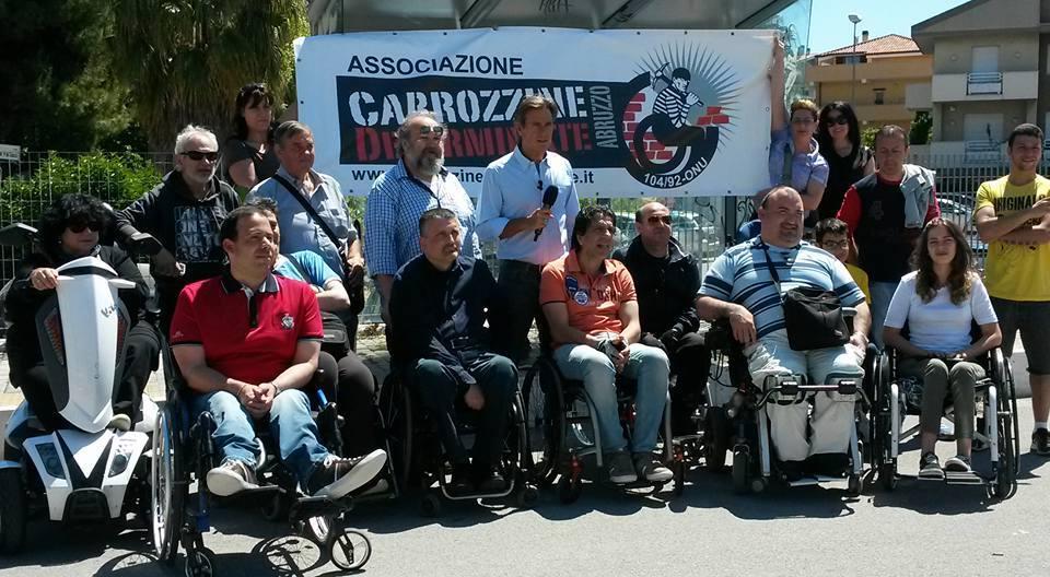 Pescara: protestano i diversamente abili sotto Regione