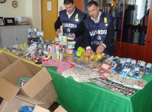 Contraffazione: a Pescara la Gdf sequestra 663mila prodotti