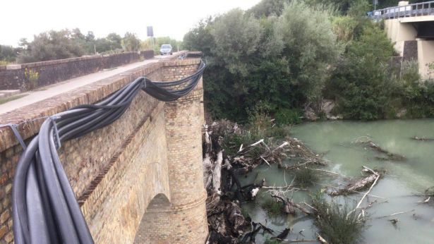 Sindaci chiudono ex ponte ferroviario sul Sangro
