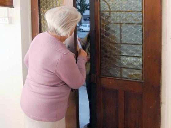 Falsi addetti Enel a Chieti, entrano in casa degli anziani