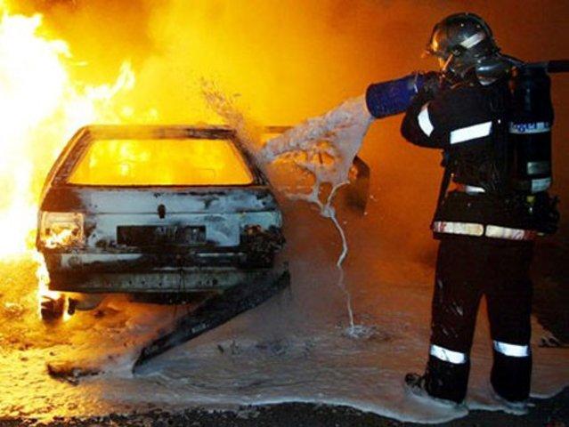 Casoli, incendio all'auto Gpl semidistrugge una casa, salvi per miracolo