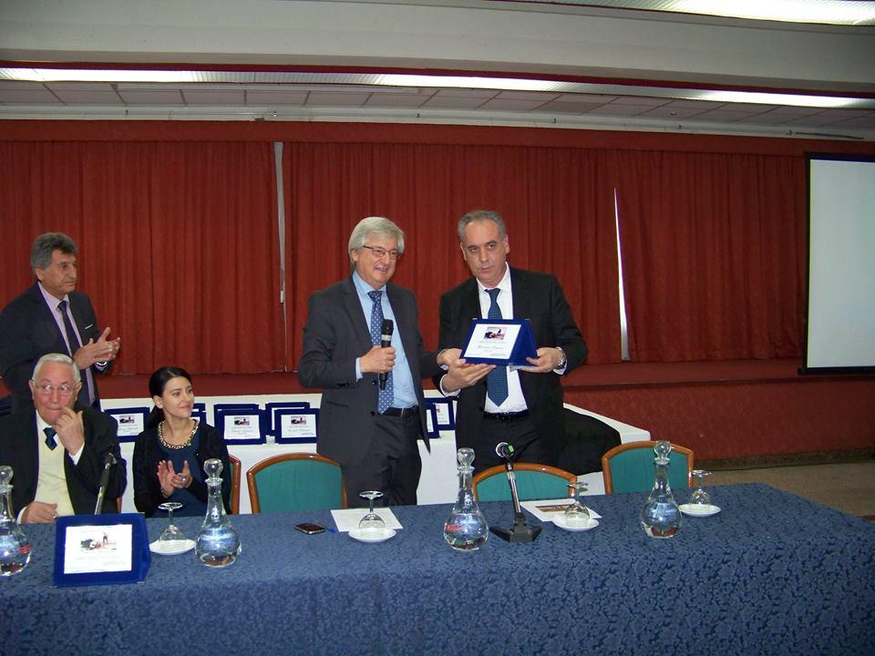 """Premio """"Abruzzese dell'anno"""" a Giovanni Legnini"""
