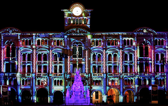 Il Videomapping illumina Piazza Salotto a Pescara