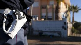 tortoreto-rubano-soldi-e-pistole-a-medico-polizia