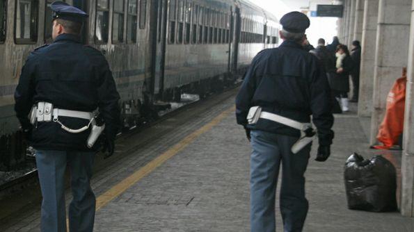 Pescara: la Polfer recupera in un negozio le maioliche rubate