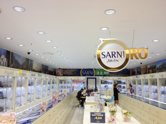 Chieti: furto da 200 mila euro da Sarni
