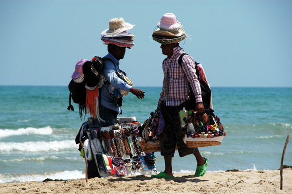 Montesilvano dice stop ai vu cumprà in spiaggia