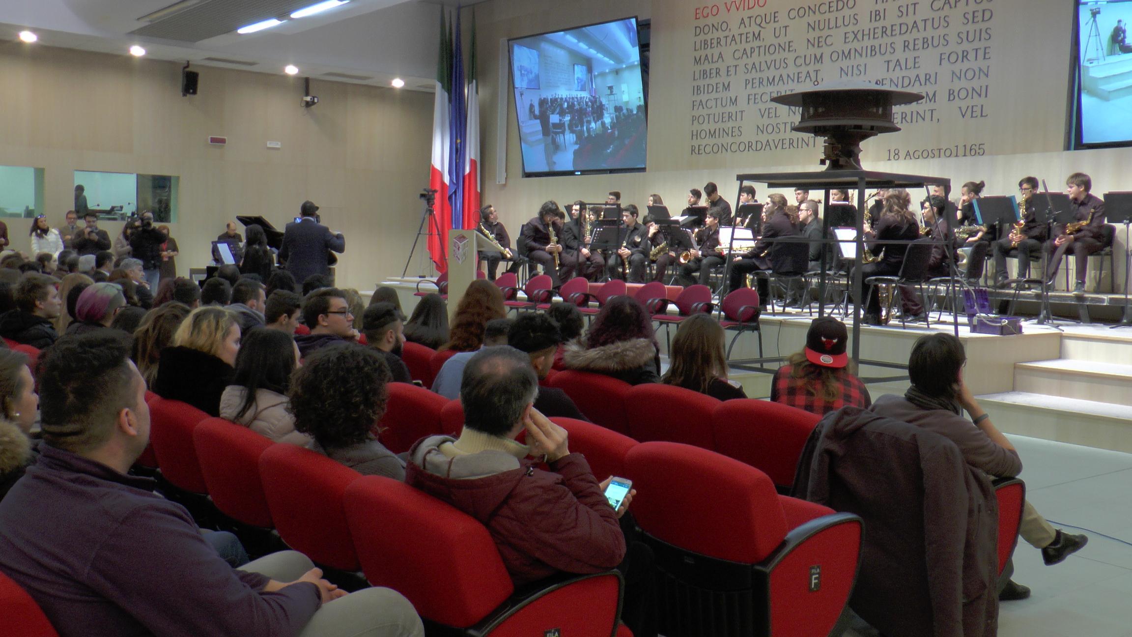Unite, mille studenti per ricordare la Shoah