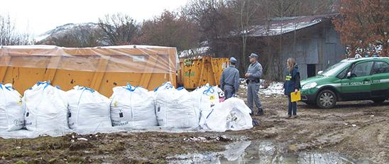 L'Aquila: Cfs bonifica siti inquinati da rifiuti abbandonati