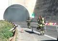 Incendio su A14, galleria Solagne riaperta a metà