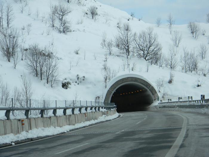 Occhio alla neve su A/24 e A/25 nel fine settimana
