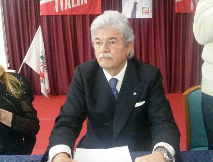 Senato, Antonio Razzi segretario commissione difesa