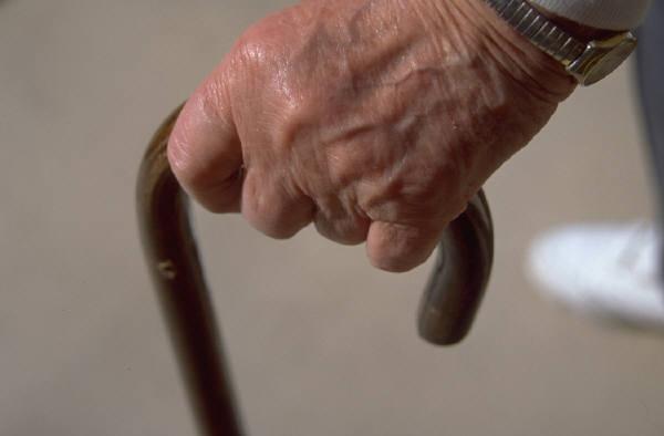 Silvi: rubano in casa di anziani, arrestati ladri