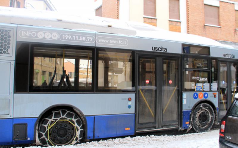 Chieti: Ruote lisce bus di linea multati
