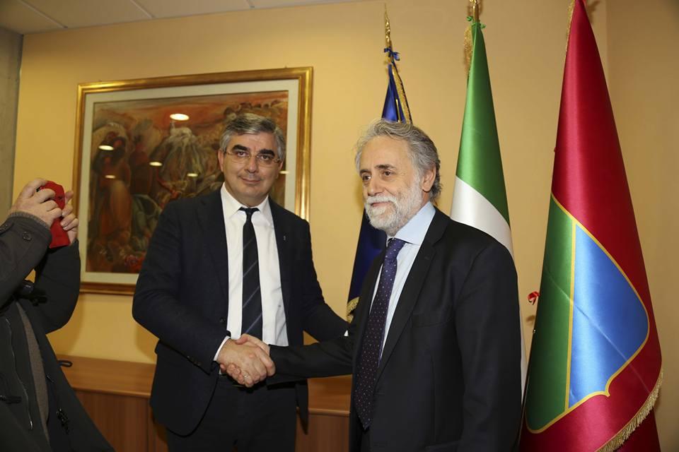 Teramo: Izs, D'Alfonso firma contratto Mattioli